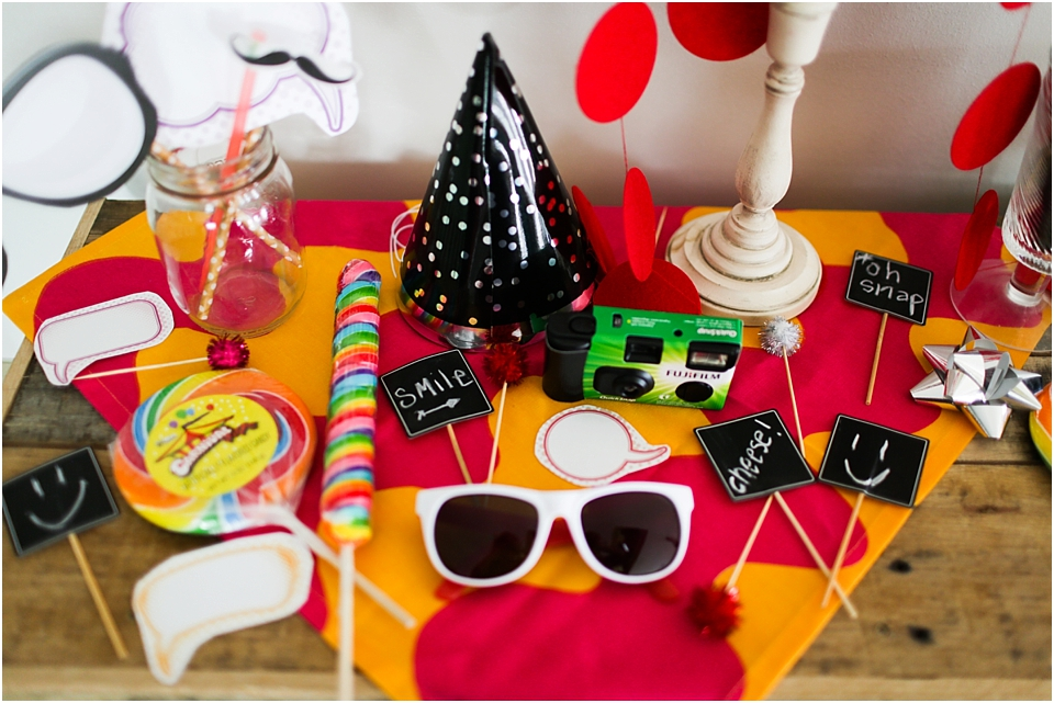 How To Create The Perfect Diy Photo Booth Props Sixth Bloom