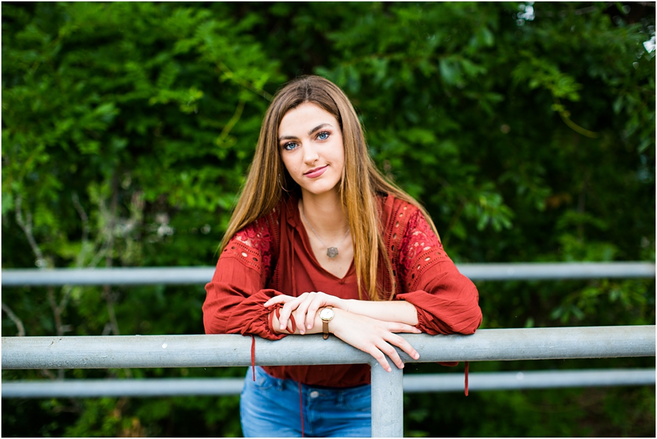 how to be a senior portrait photographer