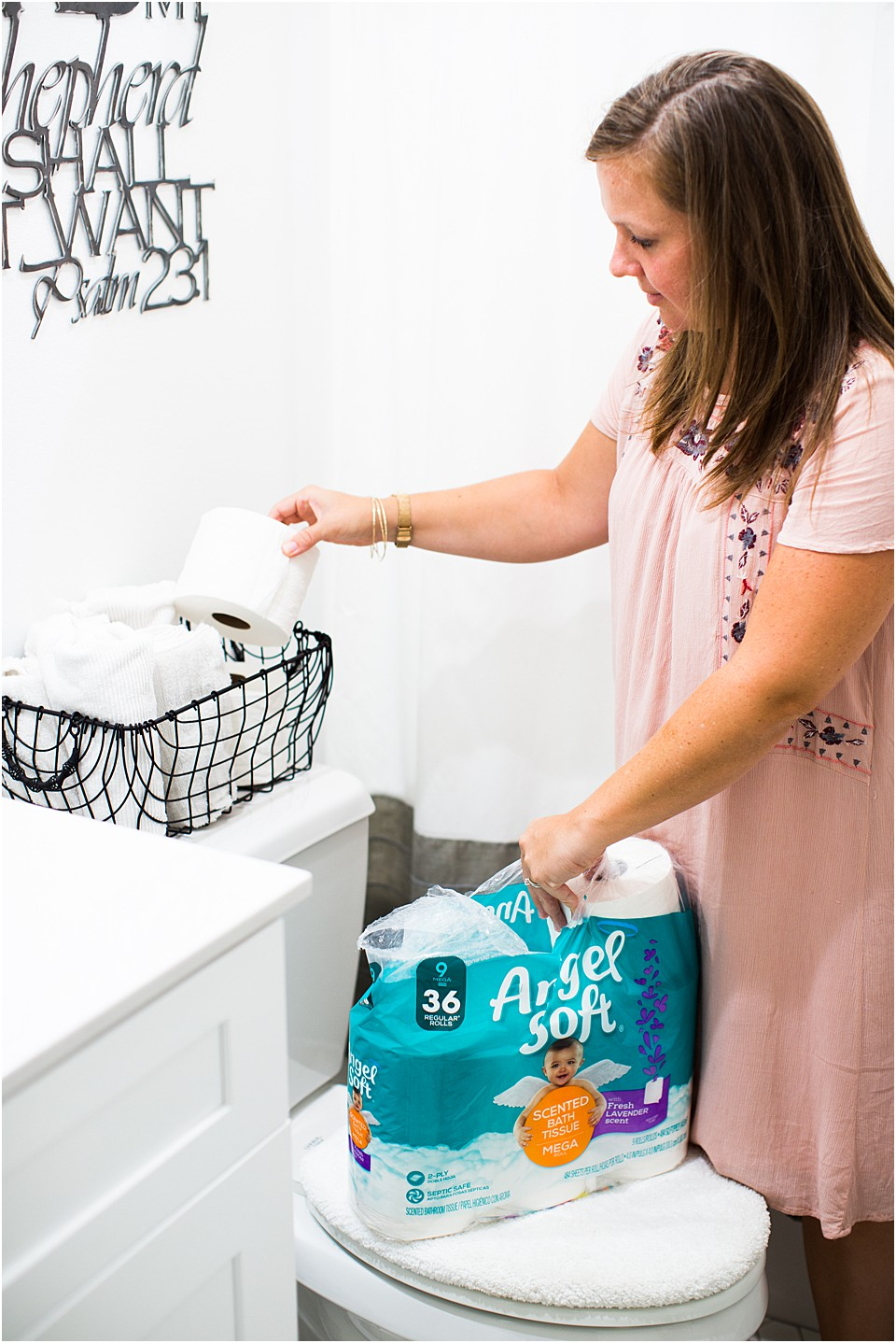 small bathroom organizing tips