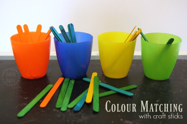 Colour matching with craft sticks – Danya Banya