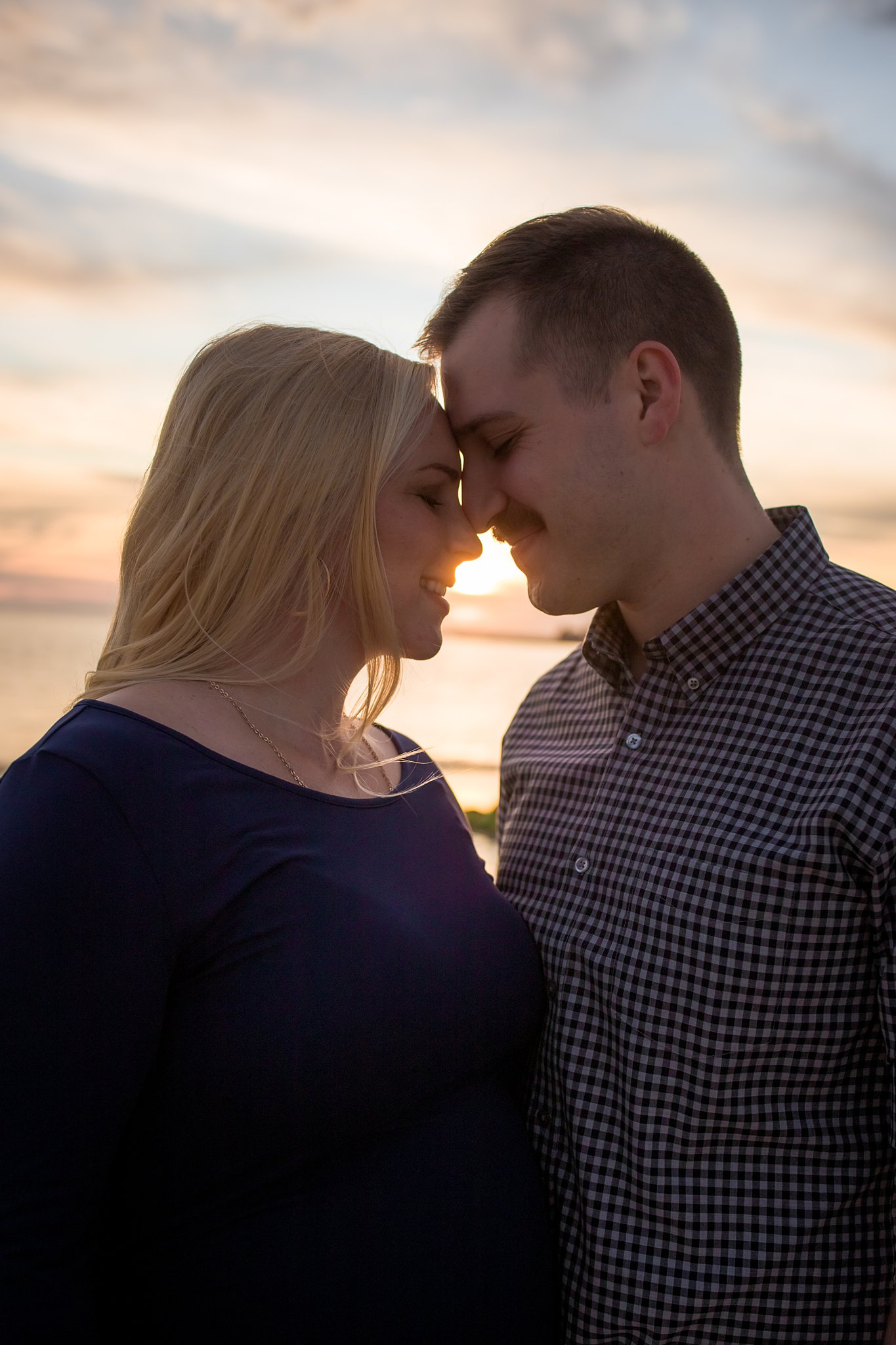 golden hour sunset maternity photography