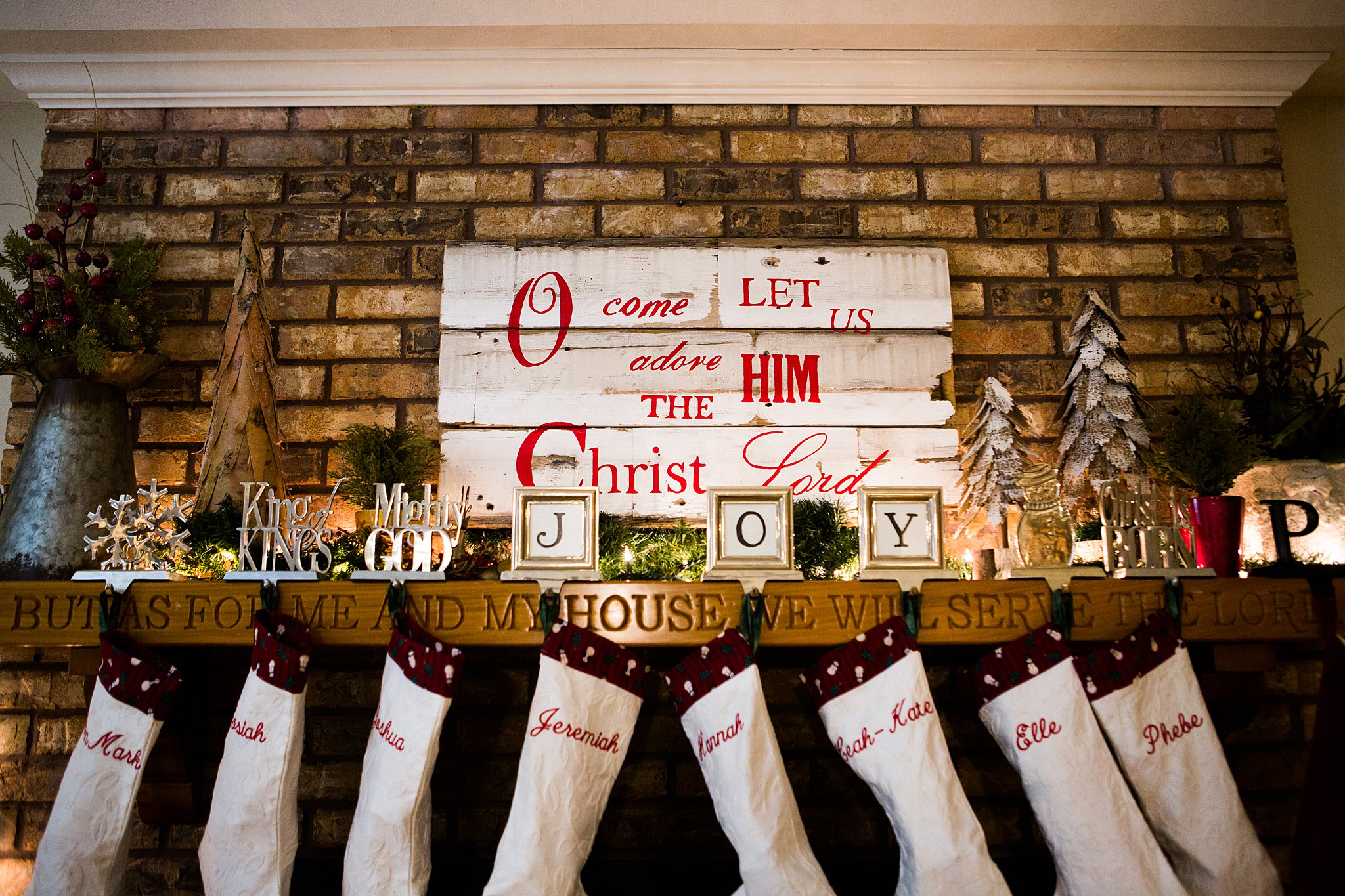 how to decorate a mantle at christmas on a budget